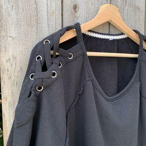 Target Sweatshirt, XL, lace-up shoulders